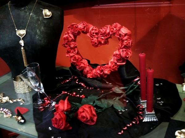 Vitrine boutique lumen th me saint valentin d tail - Deco st valentin vitrine ...